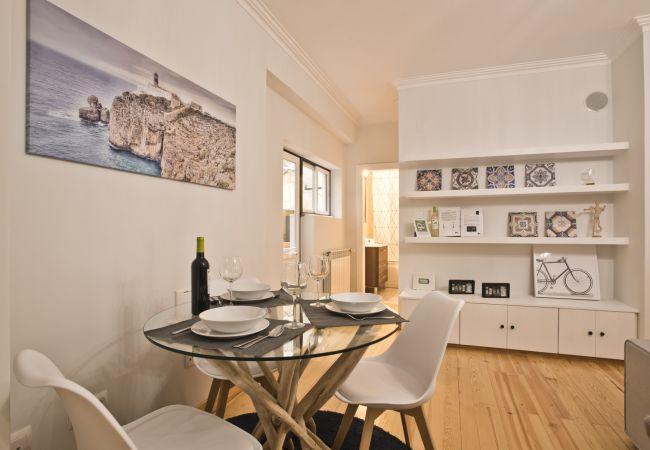 Apartamento em Lisboa - São Bento Garage Apartment (C78)