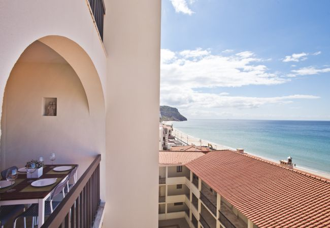 Apartment in Sesimbra - Praia do Ouro Apartment (C21)