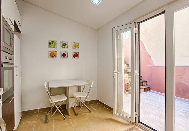 Apartment in Lisbon - Príncipe Real Terrace Apartment (C43)