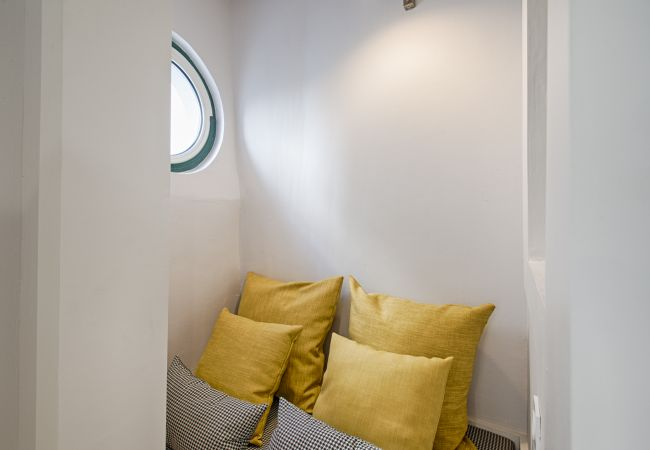Apartment in Lisbon - Lisbon Light Inner Bairro Alto (C61)