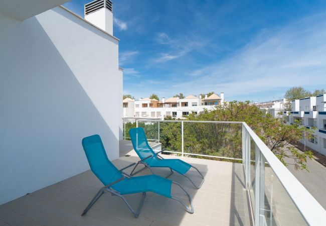 Apartment in Santa Luzia - Santa Luzia Stylish Apartment (S10)