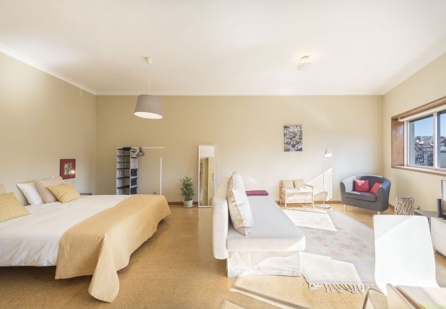 Studio in Porto - Santa Catarina Light Apartment (N46)