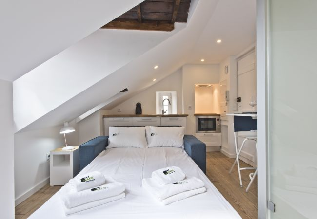 Studio in Lisbon - Bairro Alto Smart Apartment (C80)