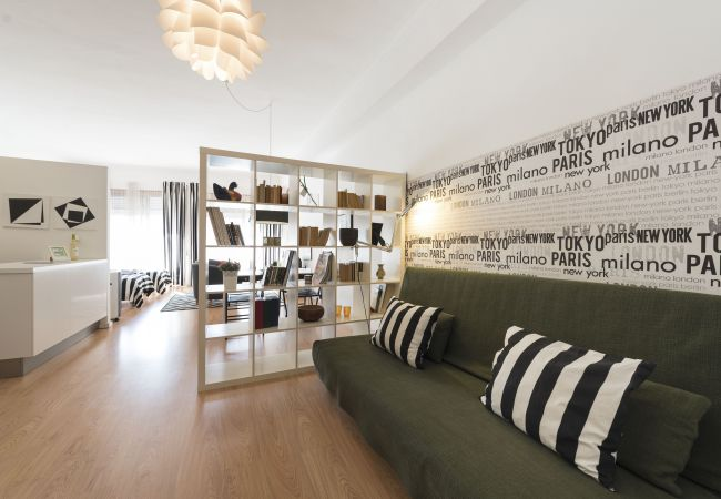Apartment in Porto - Santa Catarina's Loft (N01)