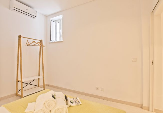 Apartment in Lisbon - Bica River View I (C86)
