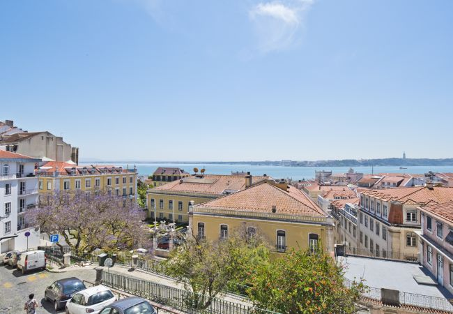 Apartment in Lisbon - Castelo River View Apartment (C95)