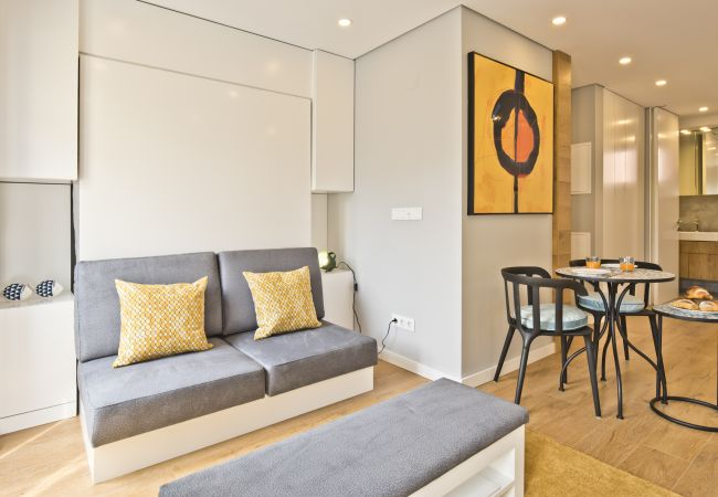Apartment in Lisbon - BmyGuest Bruno's 36 Exclusive Apartments III (C98)