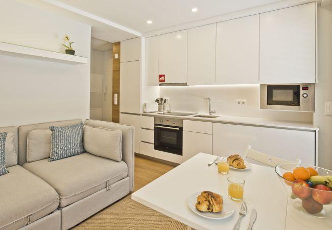 Apartment in Lisbon - BmyGuest Bruno's 36 Exclusive Apartment II (C97)